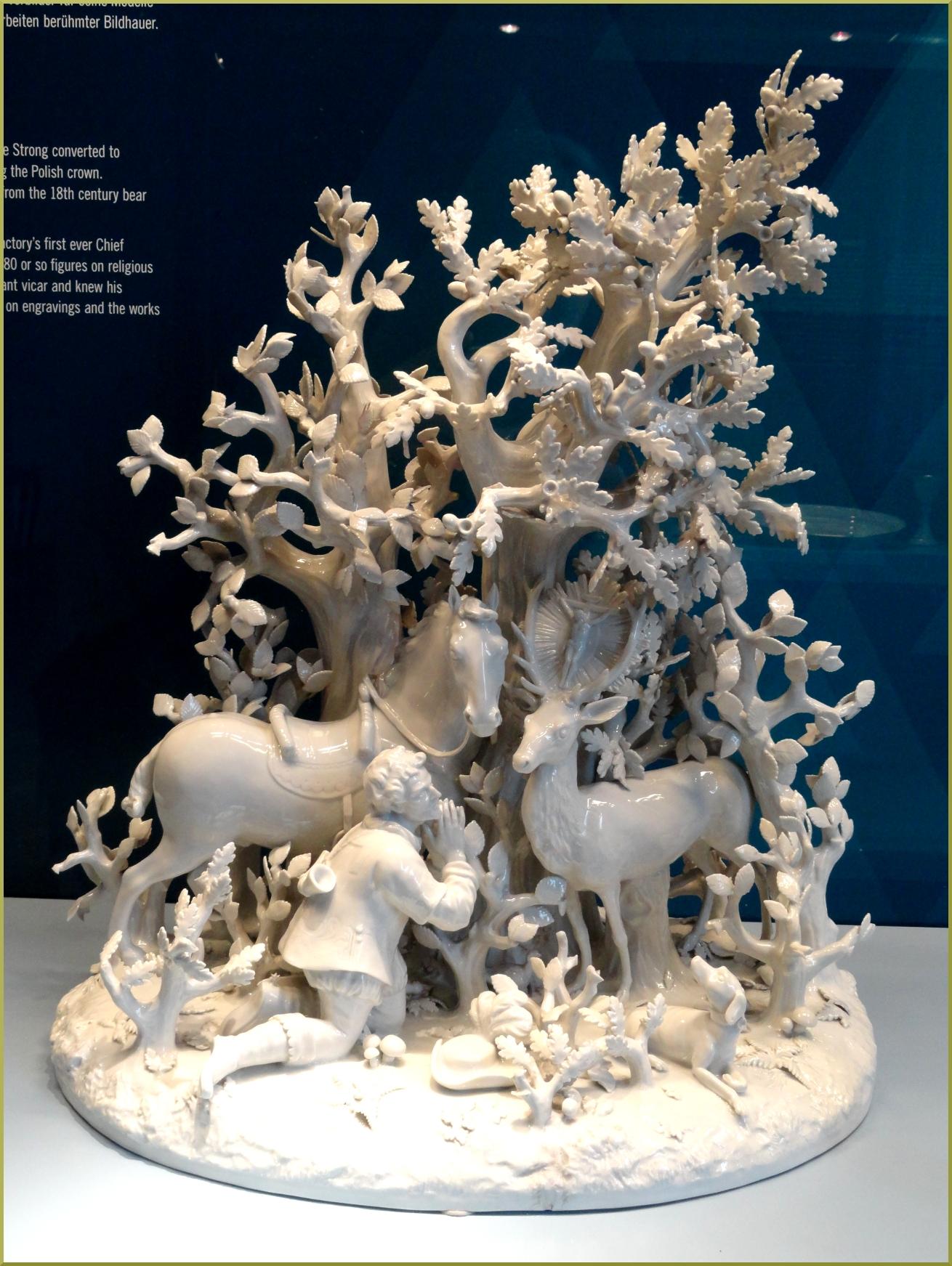 Евстафий Плакида и олень. Фарфоровая композиция. Музей Мейсен