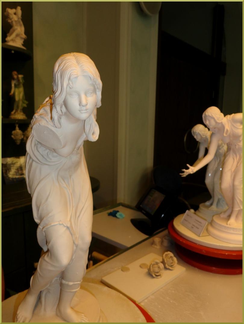 в мастерской при мануфактуре скульптура Игра в мяч