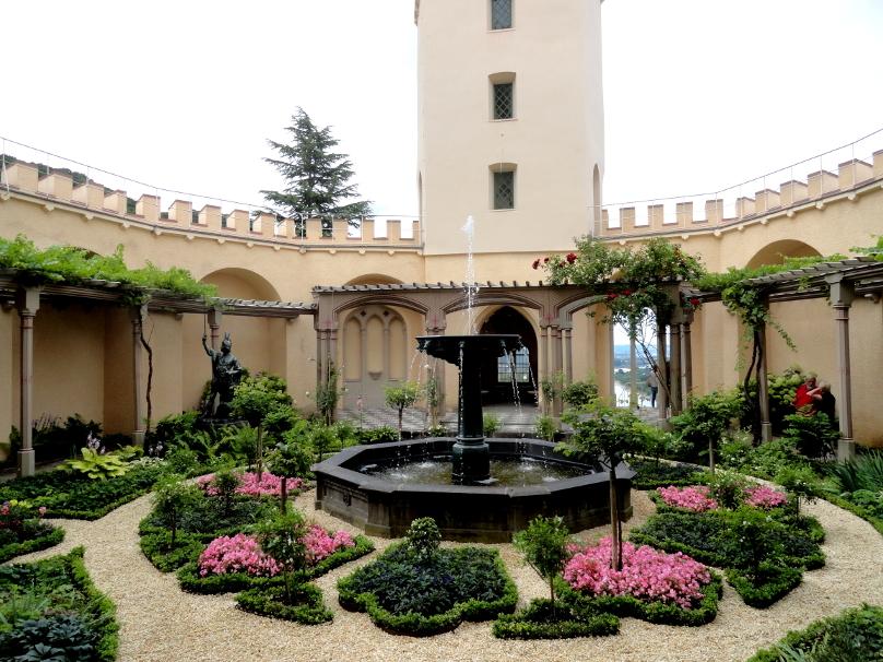 Schloss Stolzenfels_Pergolagarten