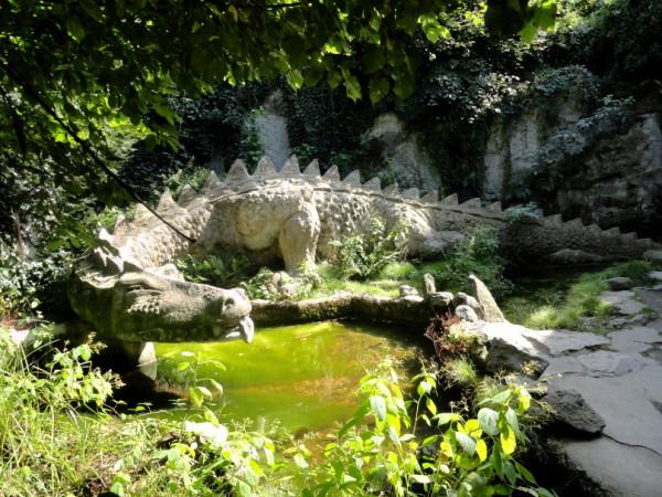 Nibelungenhalle,Drachen