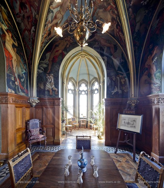 Koenigswinter, Schloss Drachenburg. Das Kneipzimmer oder auch Trinkstuebchen