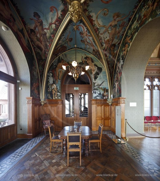 Koenigswinter, Schloss Drachenburg. Das Kneipzimmer oder auch Trinkstuebchen2