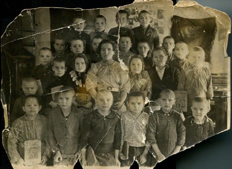 1943 Школьная фотография, д. Суханка.jpg