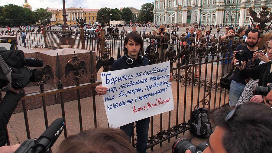 Питер. Дворцовая. геи в день ВДВ