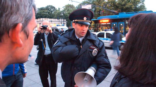 флэшмоб в Питере в поддержку Андрея Пивоварова03 P9233470.JPG