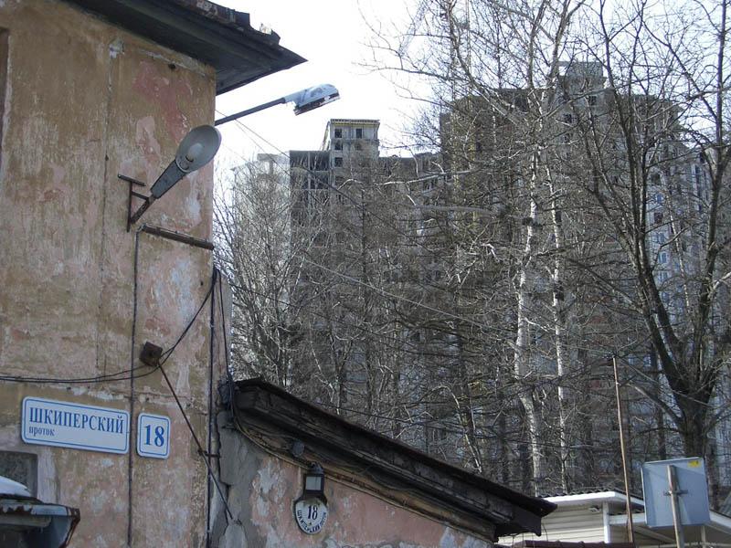 строится многоэтажный жилой дом - Шкиперский, 20