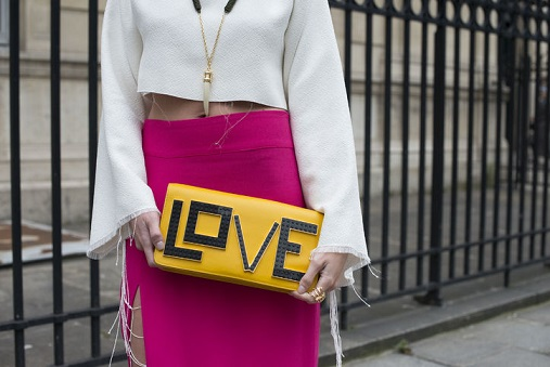 couture-street-style-accessories-love-clutch-w724
