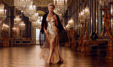 Платье золотое расшитое пайетками