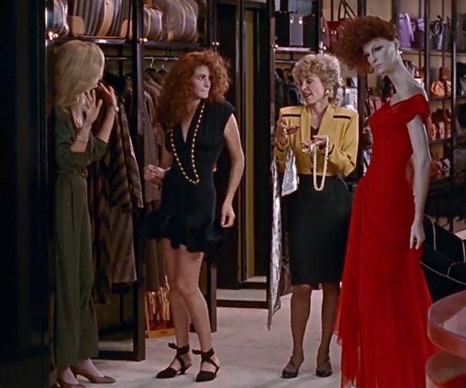 Кино девушка в красном платье