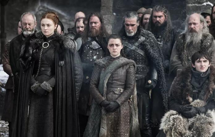 8-й сезон, Санса и её наряд, гармонично выглядящий рядом с другими северянами
