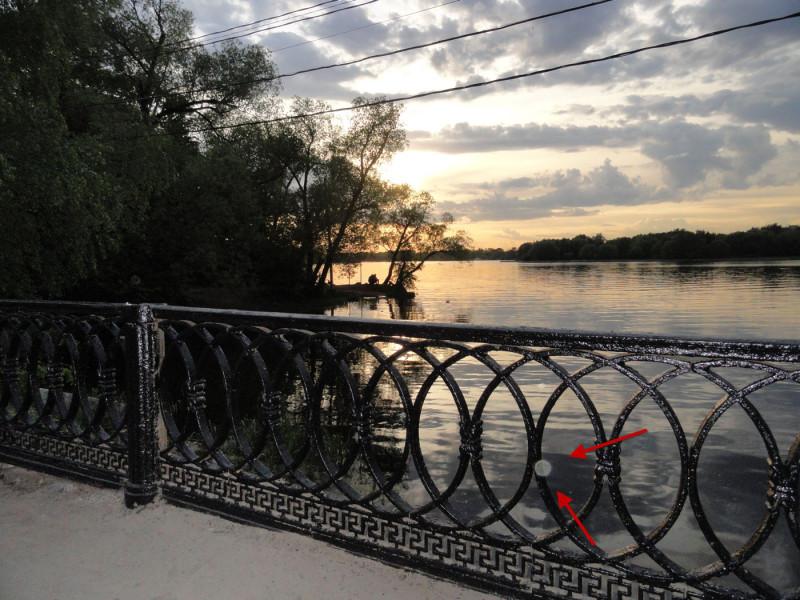 Близ церковного погоста на мосту
