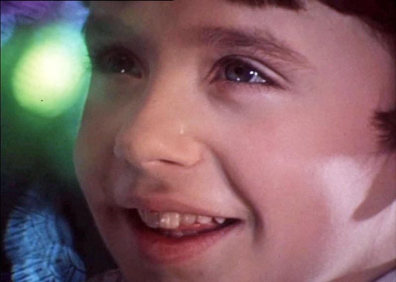 а мальчик и был и есть, его лицо появляется в первом и последнем кадре телепостановки ( а кто он, узнаете ?)