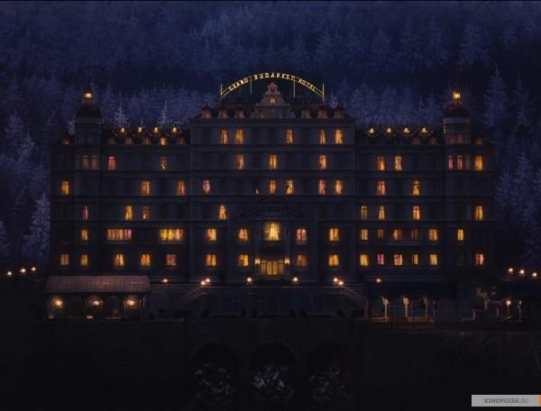 kinopoisk.ru-The-Grand-Budapest-Hotel-2532839