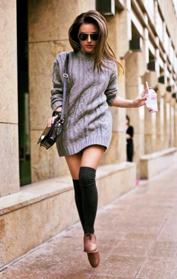 Фото девушек в коротких юбках черных чулках или колготках 20 фотография