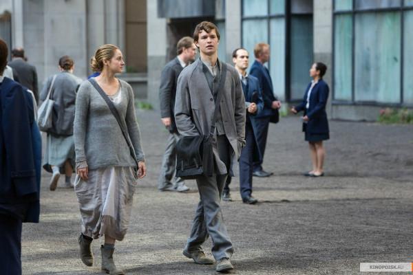 kinopoisk.ru-Divergent-2291995