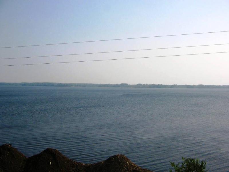 И вот она — широка река Волга, на  подъезде к городу Сызрань — 15 августа 2010 15:46