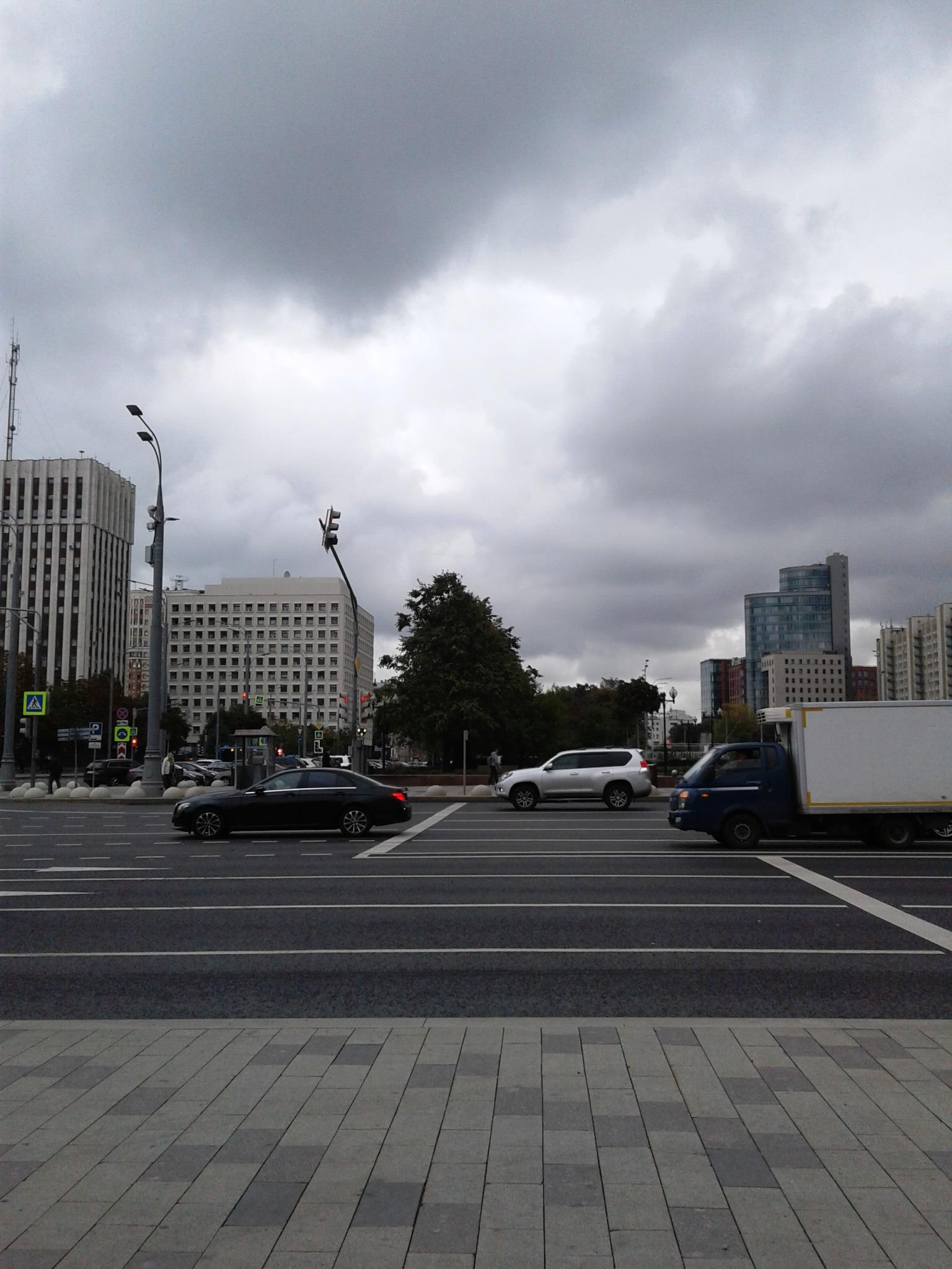 17 сентября 2021, 9:19 #91фотодня (17) — Октябрьская площадь