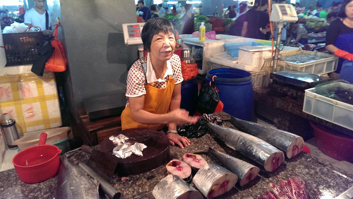 Первый рынок в Санье