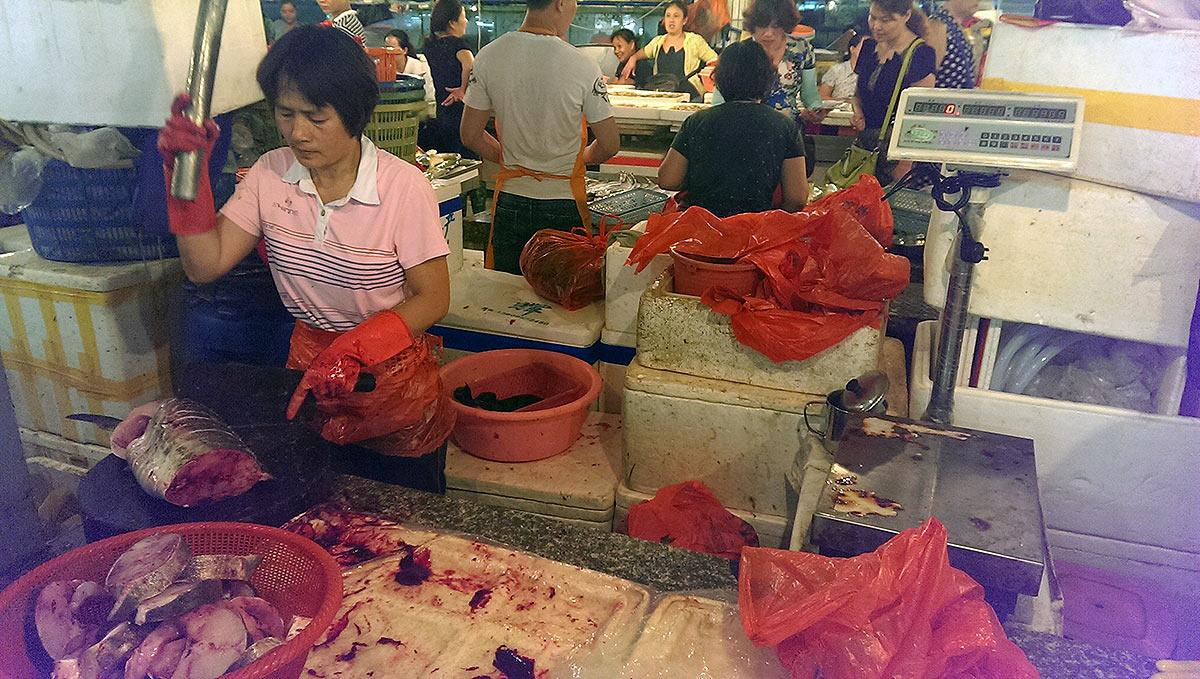 Рыба на рынке в Санье