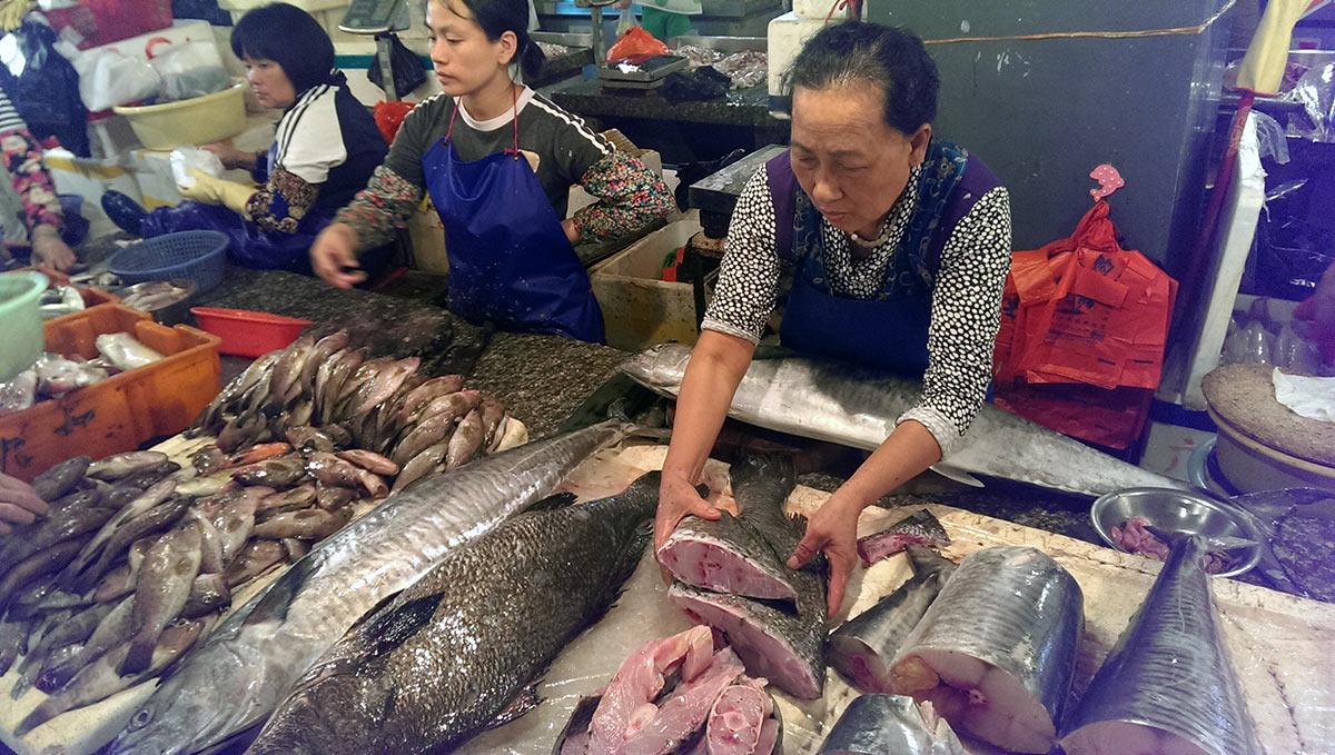 Рыбный рынок в Санье