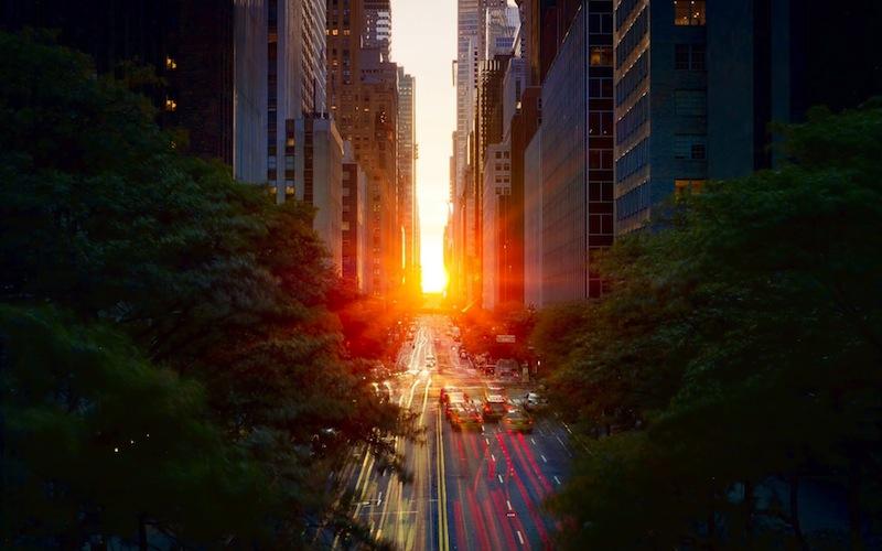 Manhattanhenge-in-New-York-United-States