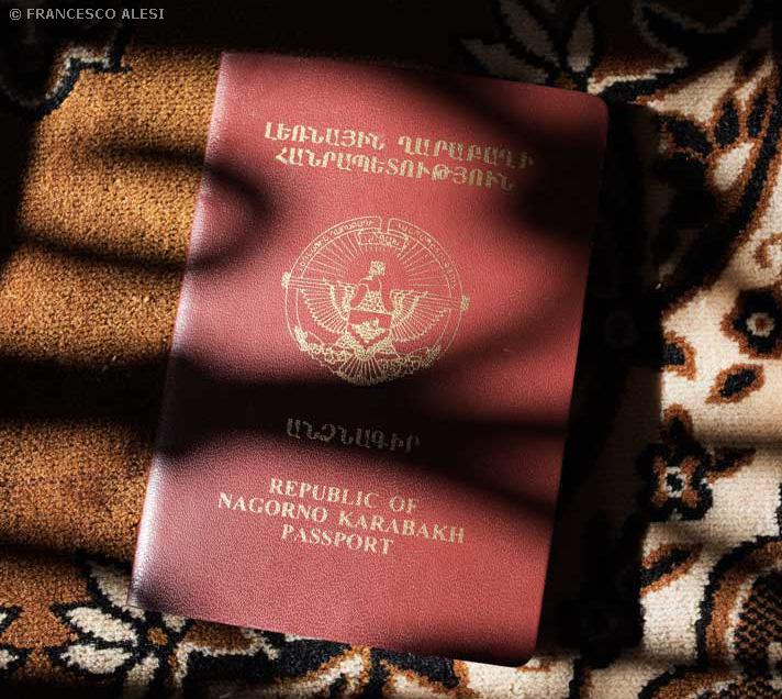 Паспорт гражданина Нагорно-Карабахской Республики. © Francesco Alesi