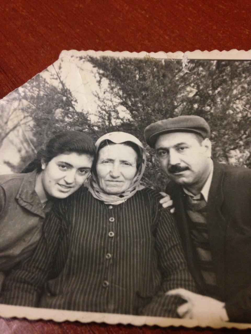 Дочь, свекровь и супруг Лусик Кошян