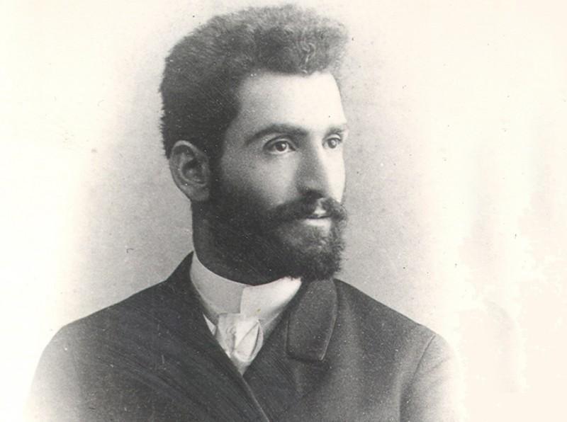 Ованес Туманян в молодые годы