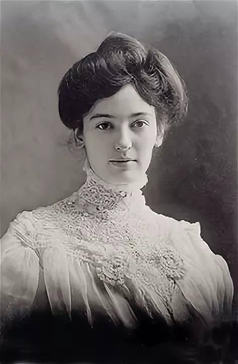 фото девушки с модной прической 1905 года