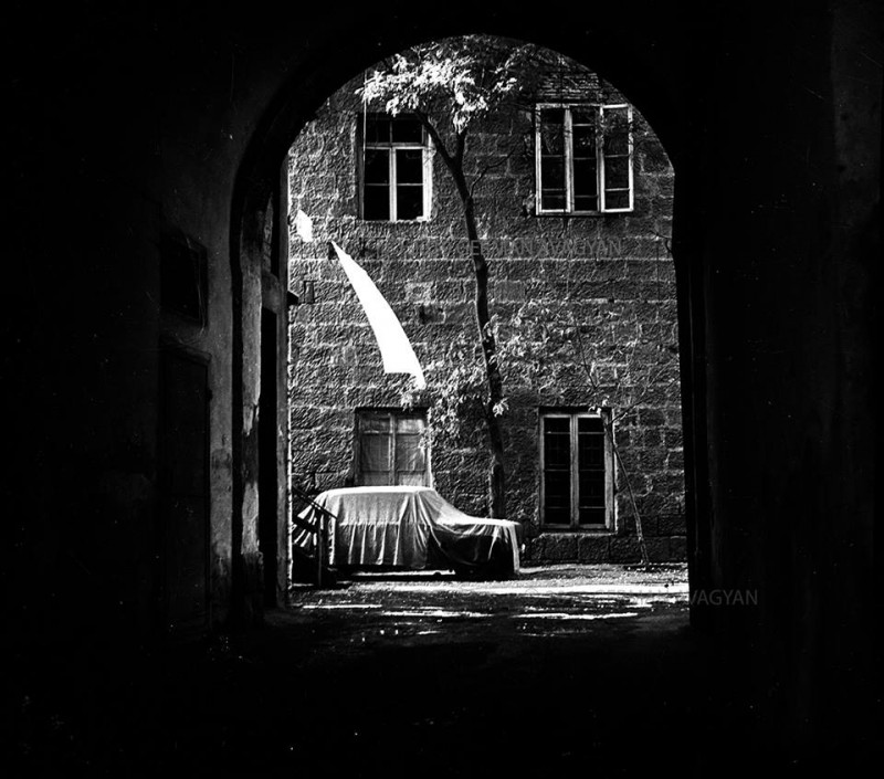 "Арка около кинотеатра ""Пионер"". Ереван, 1989 год, Герман Авакян"