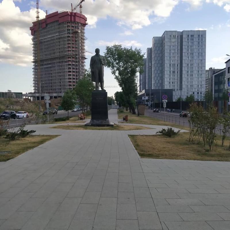 Ленин на Зиловском булваре