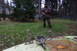 Саша Серегин с металлоискателем