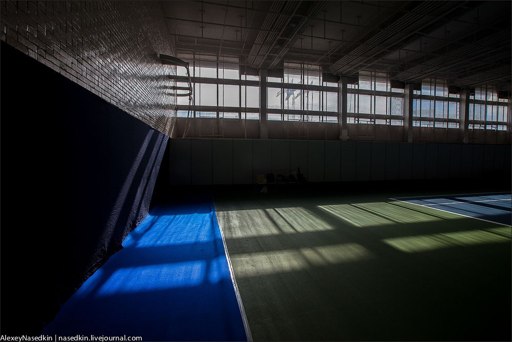 С ума сошли? В Москве сносят спорткомплекс Олимпийский!