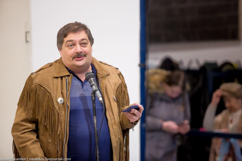 Дмитрий Быков: Власть может пообещать только героическую гибель