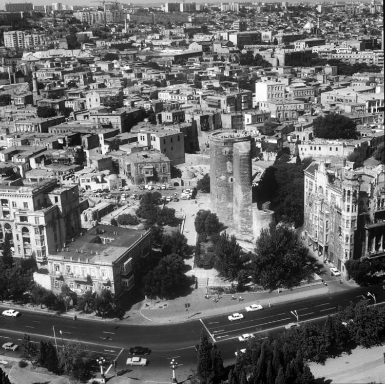 Баку Ичери шехер сверху. jpg
