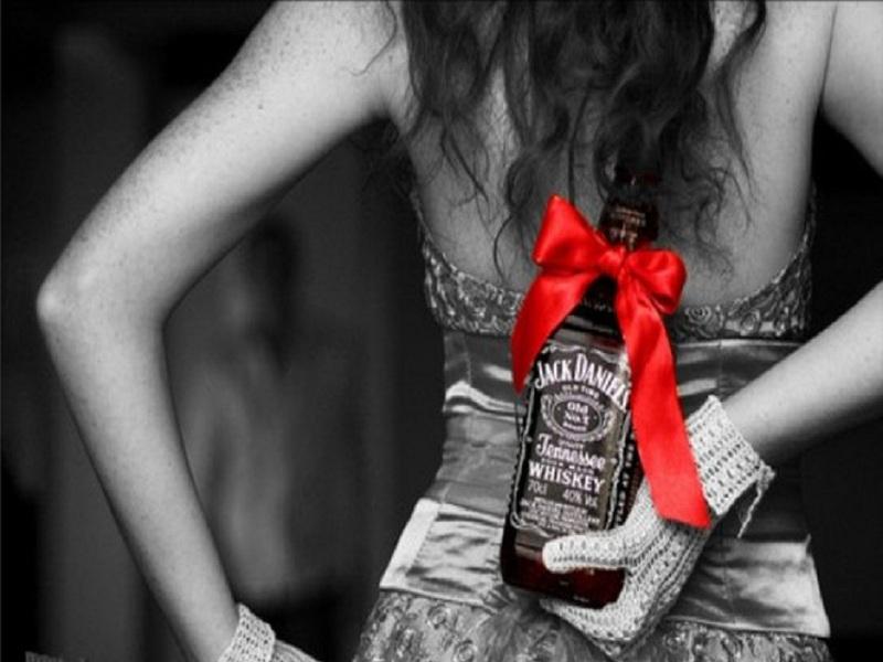 Девушка с виски картинка - Лучшие девушки рунета в ...: http://24citi.ru/girl/devushka_s_viski_kartinka.html