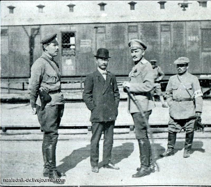 Атаман Гамов, Гундзи Томомаро и подполковник Никитин. Библиотека автора