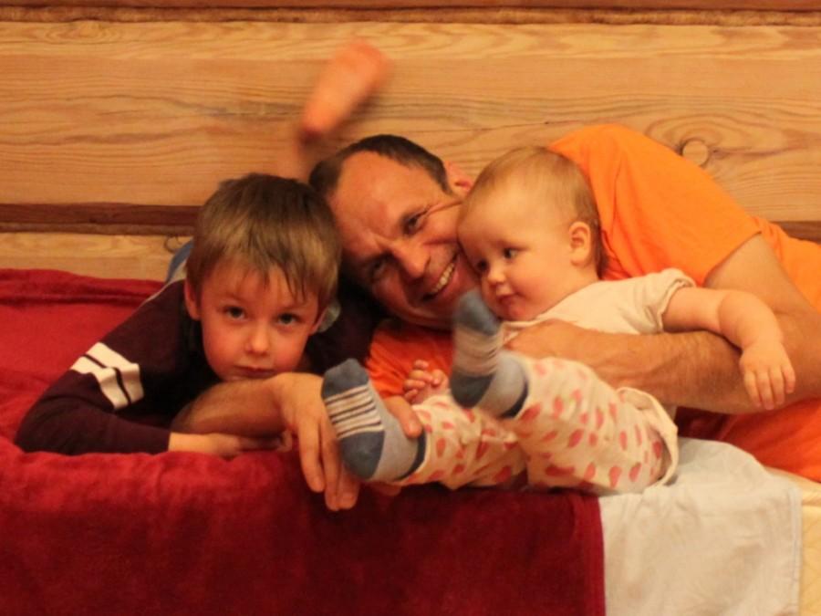 13 окт 14 Илья с детьми 2