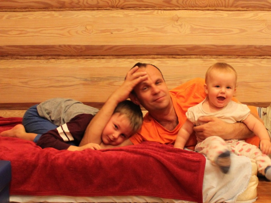 13 окт 14 Илья с детьми 3