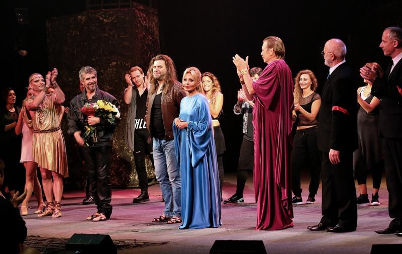фото из группы театра в ВК