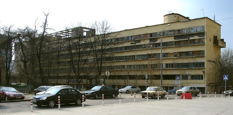 Narkomfin_Building_Moscow_2007_01
