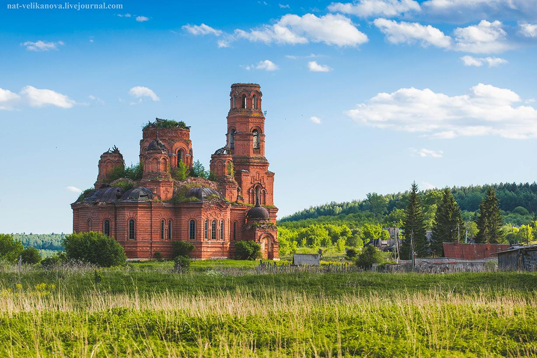 Забытые храмы Ульяновской области: луч света в темном храме, фото-1