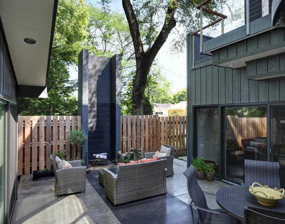 Relaxing-Courtyard