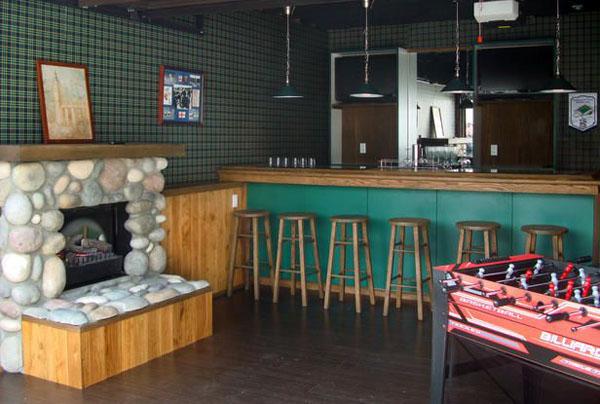 Garage-Turned-Lounge-7