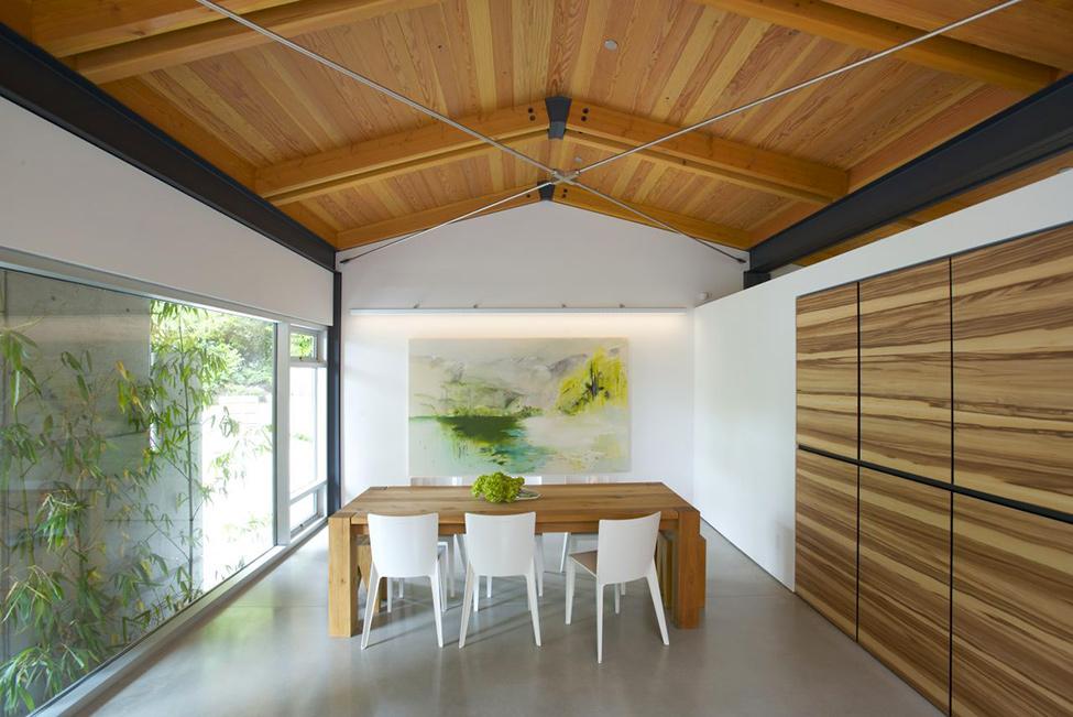 Wood-Love-Dining-Area