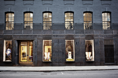 dezeen_Paul-Smith-Albemarle-Street-store-facade-by-6a-Architects_8
