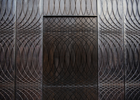 dezeen_Paul-Smith-Albemarle-Street-store-facade-by-6a-Architects_11