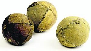 древние мячи