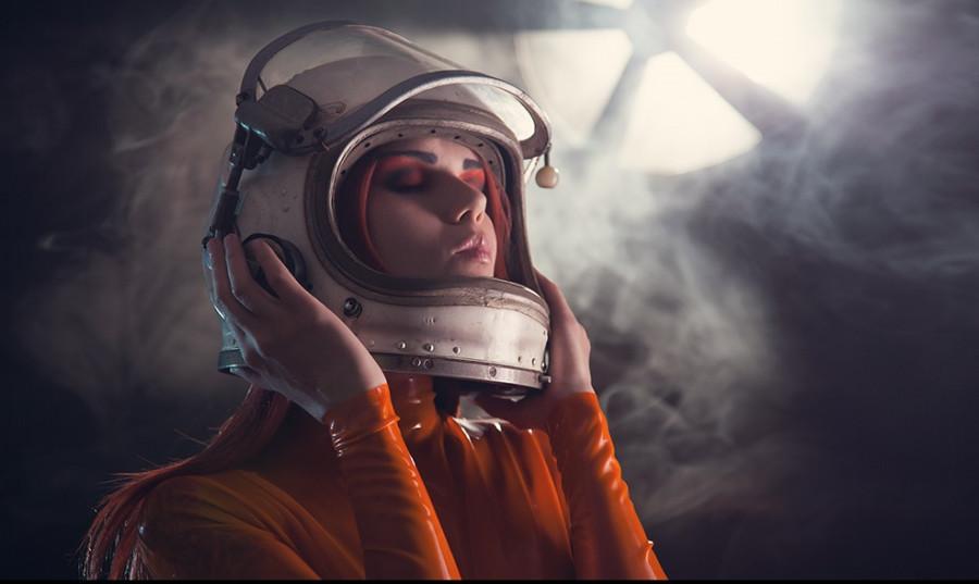 Первая девушка в космосе когда
