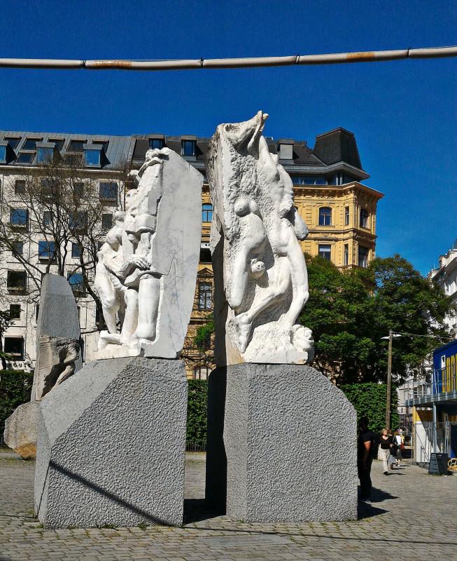Мемориал против войны и фашизма на Альбертинаплац